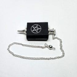 pendulo shungit con tetragramatón.