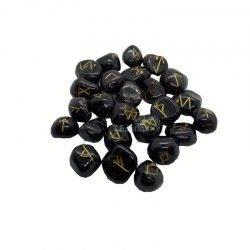 runas de ónix negro en bolsita de terciopelo.