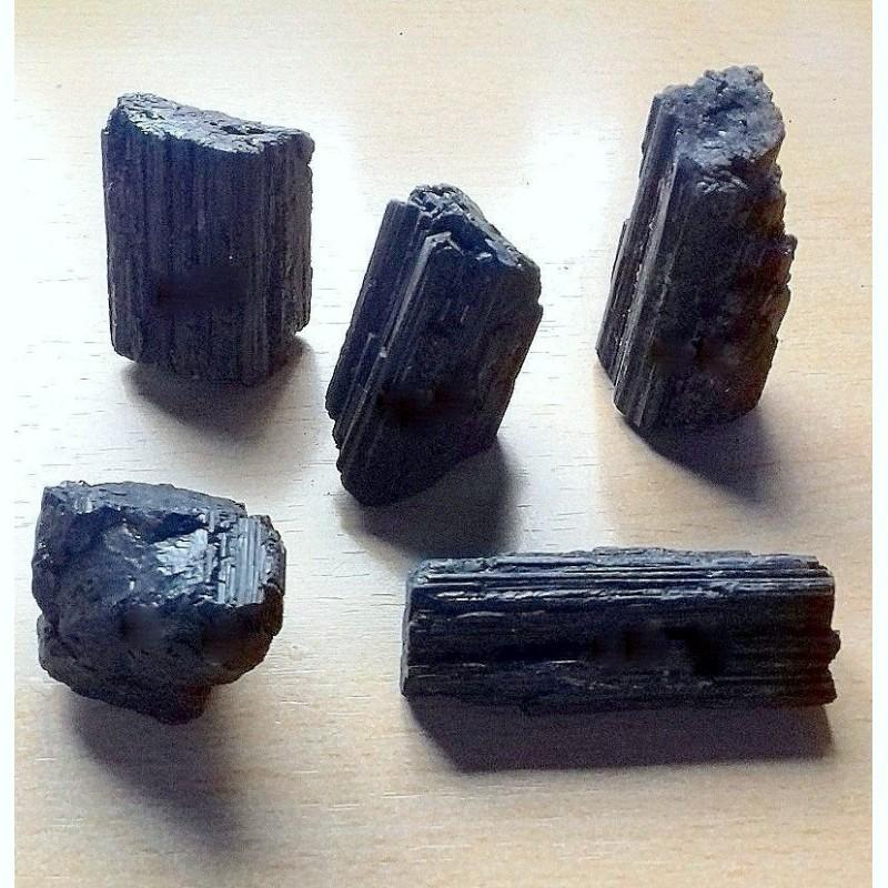 Tourmaline noire radiale, ses propriétés sont nombreuses