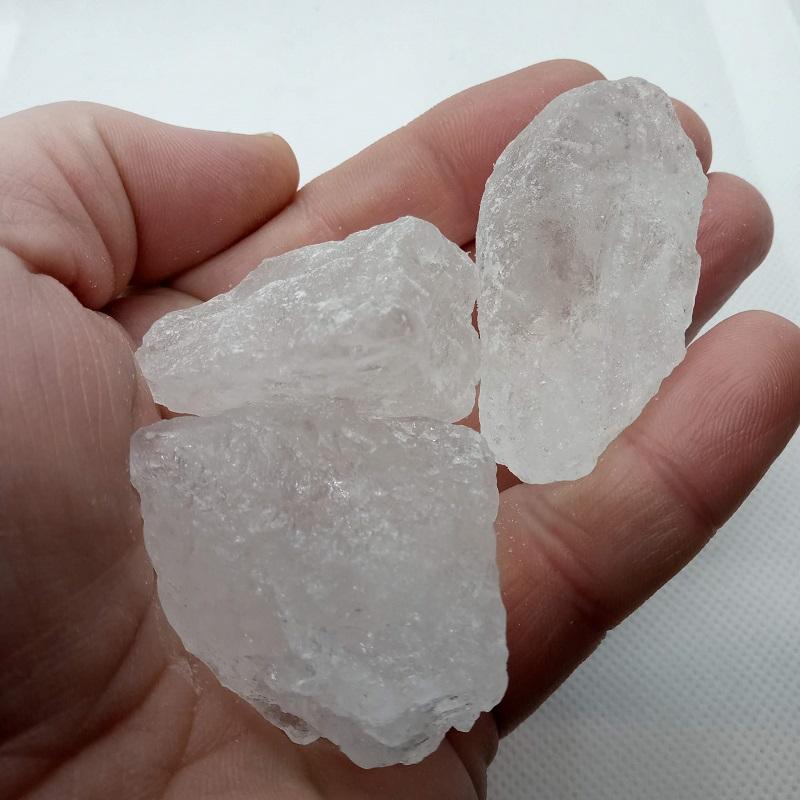 La pierre d'alun et ses propriétés magiques sont connues depuis longtemps